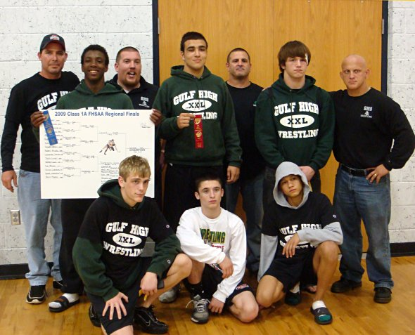 Six Gulf wrestlers qualify for states