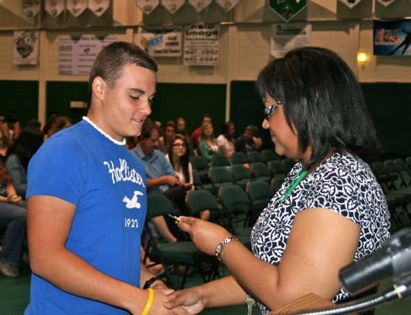 Pictures – 10th grade honor roll assembly