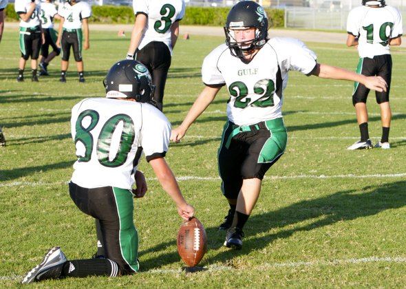 599901c4d9e American Football vs Rugby - Difference and Comparison. Football soccer vs  basketball essay ...